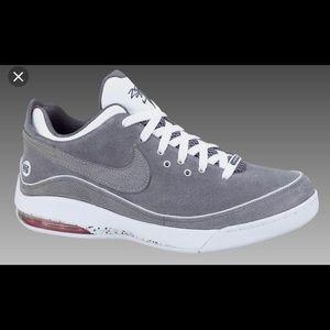 Nike Shoes - Nike Air Max Lebron